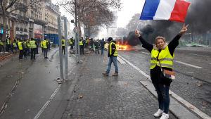 De gula västarna protesterar i Frankrike.