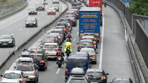 Biltrafik i Schweiz den 26 juli 2014.