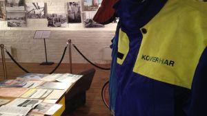 arbetaroverall och bilder på museum