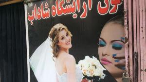 En reklam med en brud i Afghanistan.