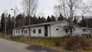 Ett vitt envåningshus som kan användas för att vårda invånare i Ingå.