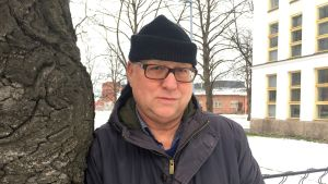 Författaren Åke Edwardson gillar naturen.