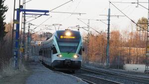 U-juna Helsingistä Kirkkonummelle