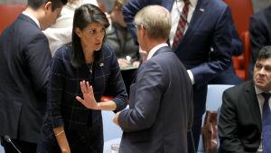 USA:s FN-ambassadör Nikki Haley hävdar att 90 procent av Nordkoreas export nu berörs av sanktioner