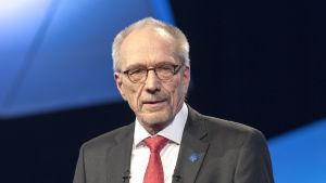 Tentissä RKP:n ehdokas Nils Torvalds. Nils Torvalds pitää puhetta presidenttitentissä, Nils Torvalds presidenttitentti 10.01.2018, presidenttipäivät TV1