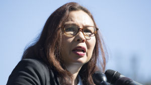 Illinoissenatorn Tammy Duckworth är tacksam över att senaten röstat igenom förslaget om att tillåta nyfödda barn i senatskammaren.
