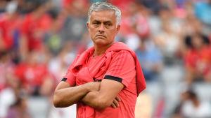 José Mourinho har varit missnöjd över Manchester Uniteds brist på spelarvärvningar.