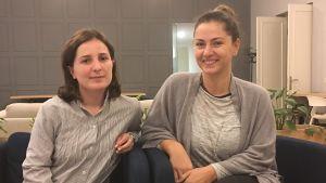 Bild på journalisterna Nino Bakradze och Nino Gagua.