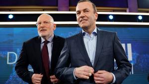Socialdemokraten Frans Timmermans (t.v.) har stärkt sina aktier på kristdemokraten Manfred Webers (t.h.) bekostnad.