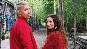 Egenlands programledare Niklas Aldén och Hannamari Hoikkala