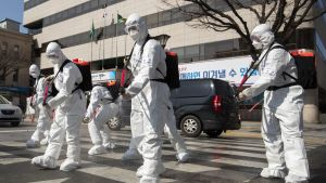 Armén har kallats in i Sydkorea för att delta i kampen mot virusepidemin.