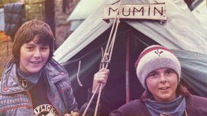 Ung Jannica Fagerholm på scoutläger