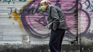 Man med ansiktsmask i Bogotá, Colombia 21.4.2020