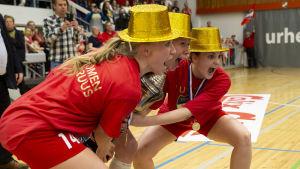 Kathlén Ax, Linda Cainberg och Ida Väyrynen.