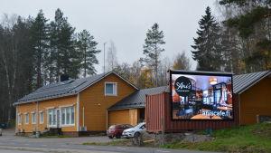 Ljusreklamtavla i Kullo i Borgå