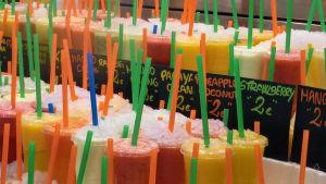 Europeiska kommissionen vill förbjuda bland annat sugrör av plast.