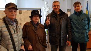 Bild av väljare i Ukraina.