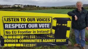 Liffordbon Frank Heron vid gränsen mellan republiken Irland och Nordirland.