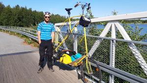 Lukas cyklar från Hamburg till Luleå.