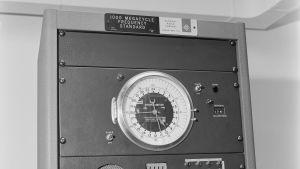 Maskin för tidssignalen, 1963