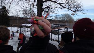 Abiturienter från Karis-Billnäs gymnasium firar penkis