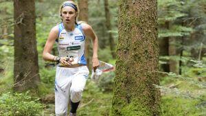 Minna Kauppi orienterar.