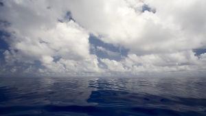 hav och himmel mitt på Atlanten.
