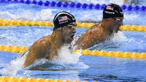 Michael Phelps och Ryan Lochte i OS i Rio.
