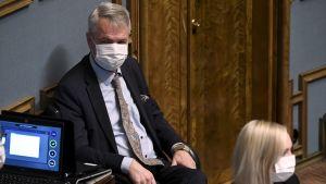 Pekka Haavisto i samband med förtroendeomröstning i riksdagen 15.12.2020.