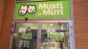 Musti ja Mirri i Borgå.