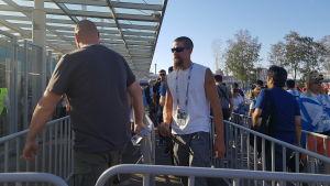 Med ett Fan-ID kring halsen kom man in både i Ryssland och på fotbollsstadion.