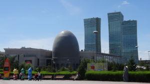 Kazakstanss huvudstad Nur-sultan är känd för sin fantasifulla arkitektur