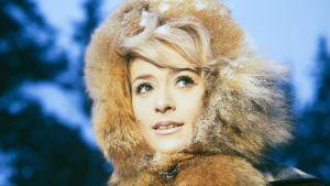 Marion Rung televisio-ohjelmassa Kahlitsemattomat 1967