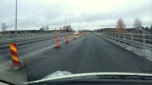 Trafikljusen är bortplockade från brobygget över Kyro älv.