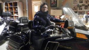Mari Snårbacka-Gunell gillar motorcyklar