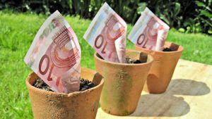 Pengar i krukor