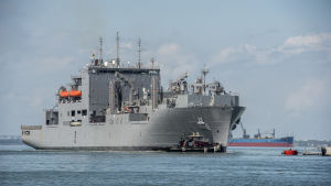 Försvarsministeriet Pentagon beordrade över 30 krigsfartyg att lämna flottbasen i Norfolk i Virginia