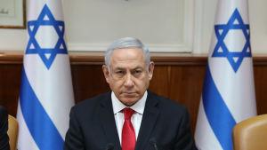 Premiärminister Benjamin Netanyahu i samband med söndagens regeringsmöte.