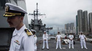 Den amerikanska flottans kommandofartyg USS Blue Ridge på besök i Hongkong i april i år.