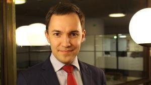 Porträtt på Wille Rydman i Helsingfors stadfullmäktige