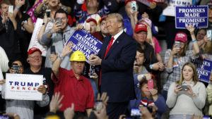 Donald Trump under ett kampanjöte i Pennsylvania den 10 mars.