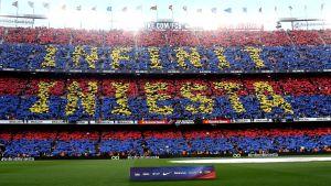 Iniesta hyllas på Camp Nou.