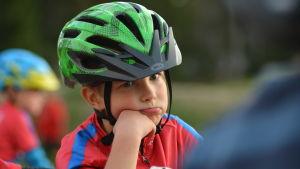 Larsmo IF-junior på träning i terrängcykling.