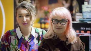 Heidi Hakala och Taika Mannila på Helsingfors bokmässa