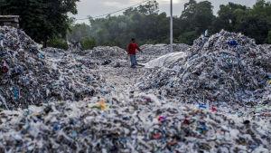 Sydostasiatiska länder som Malaysia, Filippinerna och Indonesien vill inte längre utnyttjas av återvinningsföretag i industrialiserade länder i väst