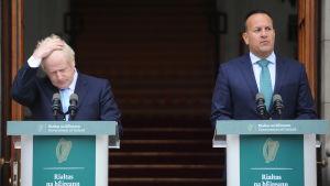 Storbritanniens premiärminister Boris Johnson och Irlands premiärminister Leo Varadkar håller en presskonferens i Dublin