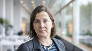 Meri Koivusalo är professor i global hälsa vid Tammerfors universitet. Hon hoppas att arbetet mot coronaviruset inte stjälper det arbte som görs för att bekämpa malaria.