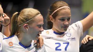 Oona och Veera Kauppi.
