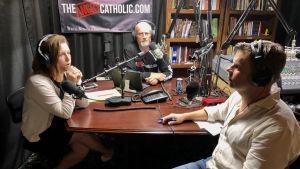 The Angry Catholic bandas in varje vecka av Kristen och Paul Ciaccia.