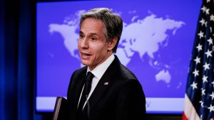 """Enligt utrikesminister Antony Blinken är USA """"rasande"""" över attacken."""